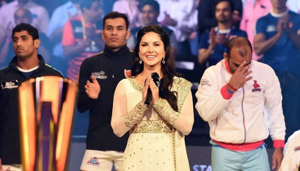 Sunny Leone in legal trouble after singing national anthem at Pro Kabaddi event