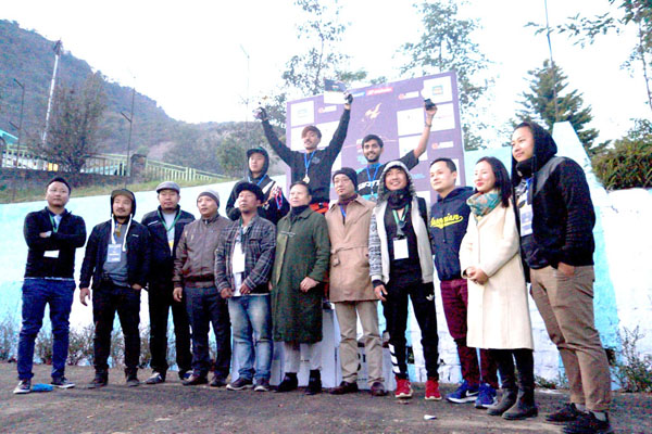 The winners of the Kohima Downhill 2016 along with organisers and sponsors on Sunday.