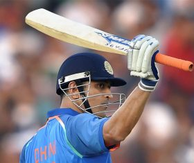 Don't think Dhoni will find place in T20 WC squad — Gavaskar