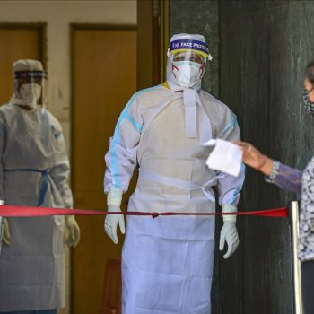 SC directs free test for coronavirus at pvt. labs; orders Centre to ensure PPE, security for medical staff