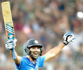 Rohit only player capable of notching 200 in T20s, says Hogg